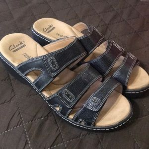 New!! Clarks leather sandals